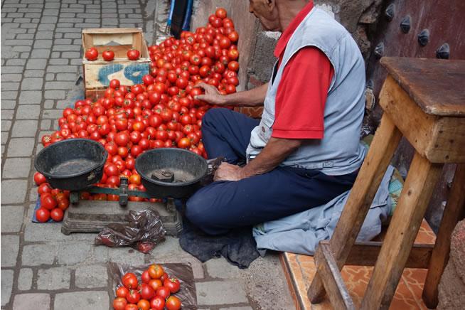 トマト量り売り